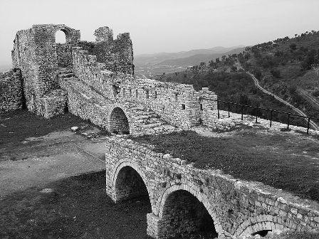 800px-Berat_Fortress